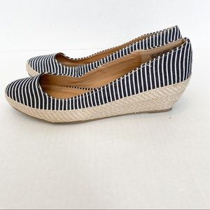 American Eagle Outfitters Shoes - American eagle black and white wedges size 7